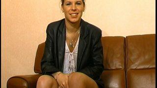 Sandrine de rouen aime le cul et test la vidéo à 21ans